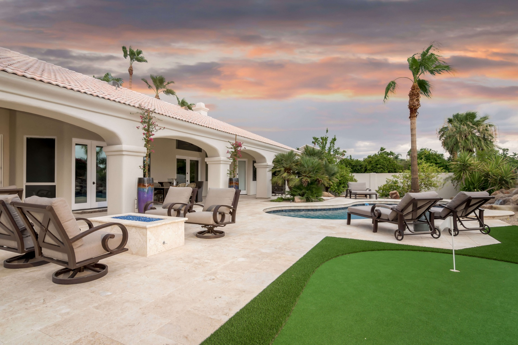 Outdoor Accents Portfolio | Backyard Synthetic Putting ...